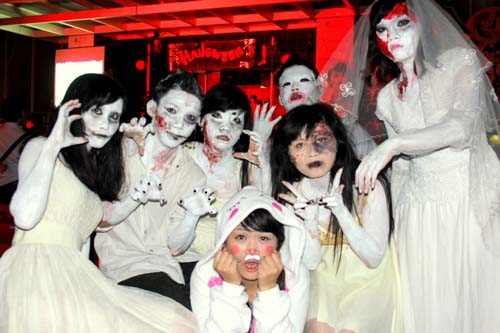 The Saigon International University jubilantly celebrates Halloween Festival